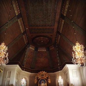 Inuti kyrkan.